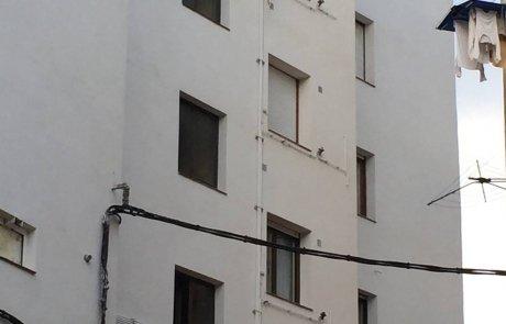Fachada blanca arreglada